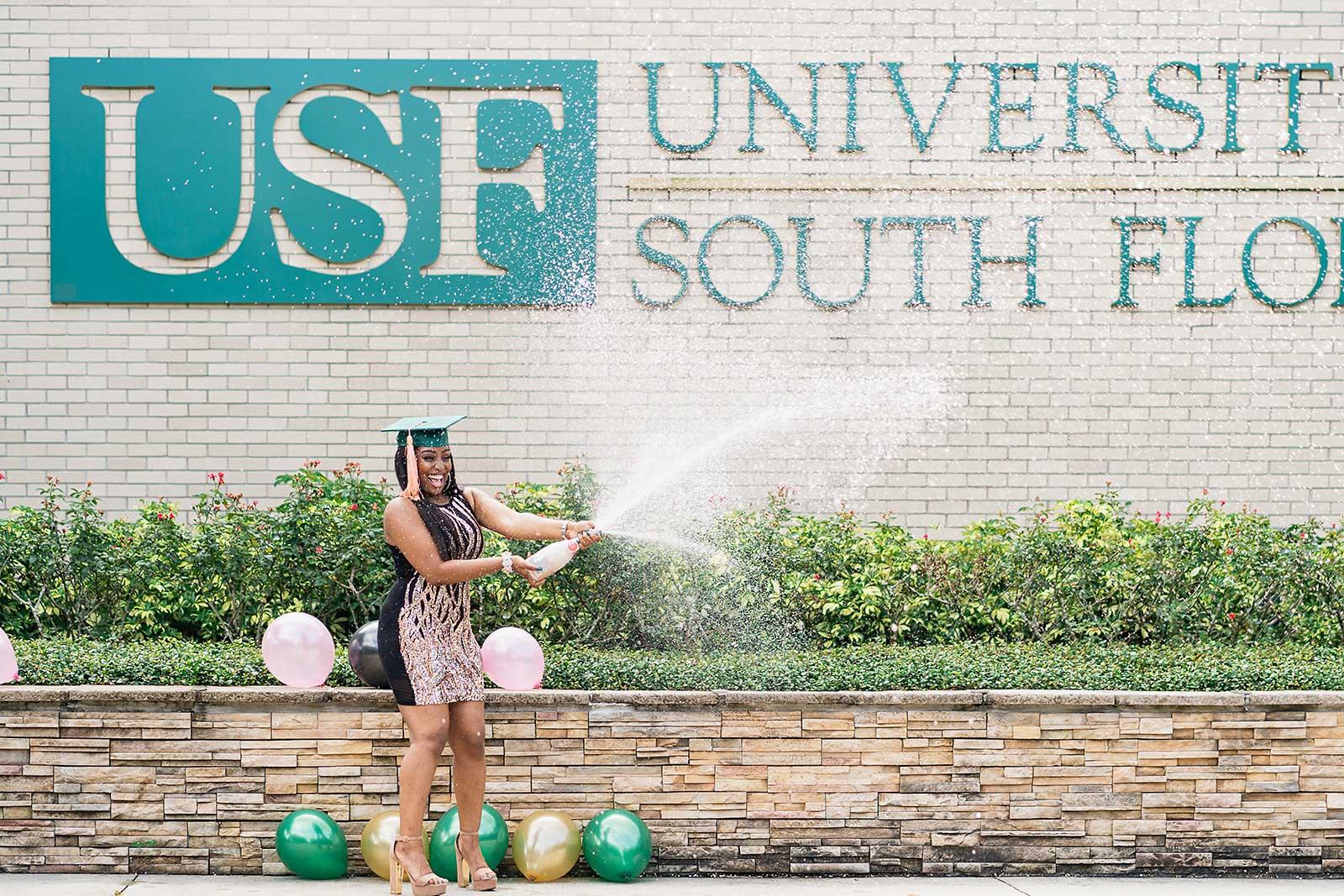 5 Expert Reasons to Make Your Graduation Photoshoot Monumental