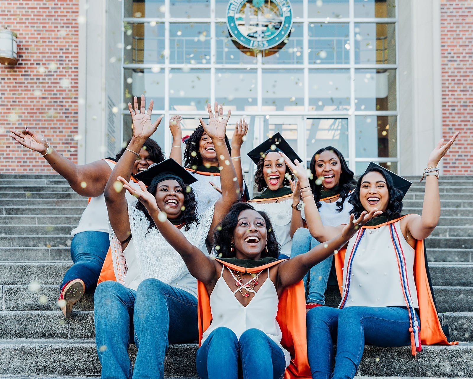 7 Simple Ideas That Can Spice Up Your Graduation Photoshoot