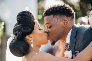 Orlando Wedding Couple kissing