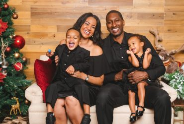 Share The Spirit With Holiday Family Portraits